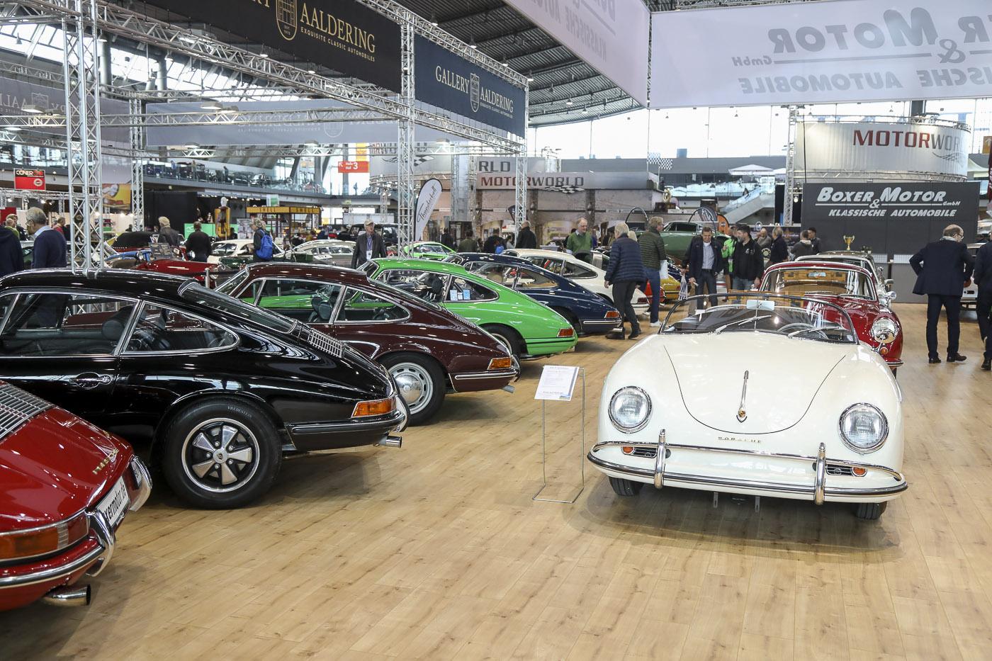 RETRO CLASSICS Stuttgart 2019. Porsche 356 und 911 in allen Varianten und Farben