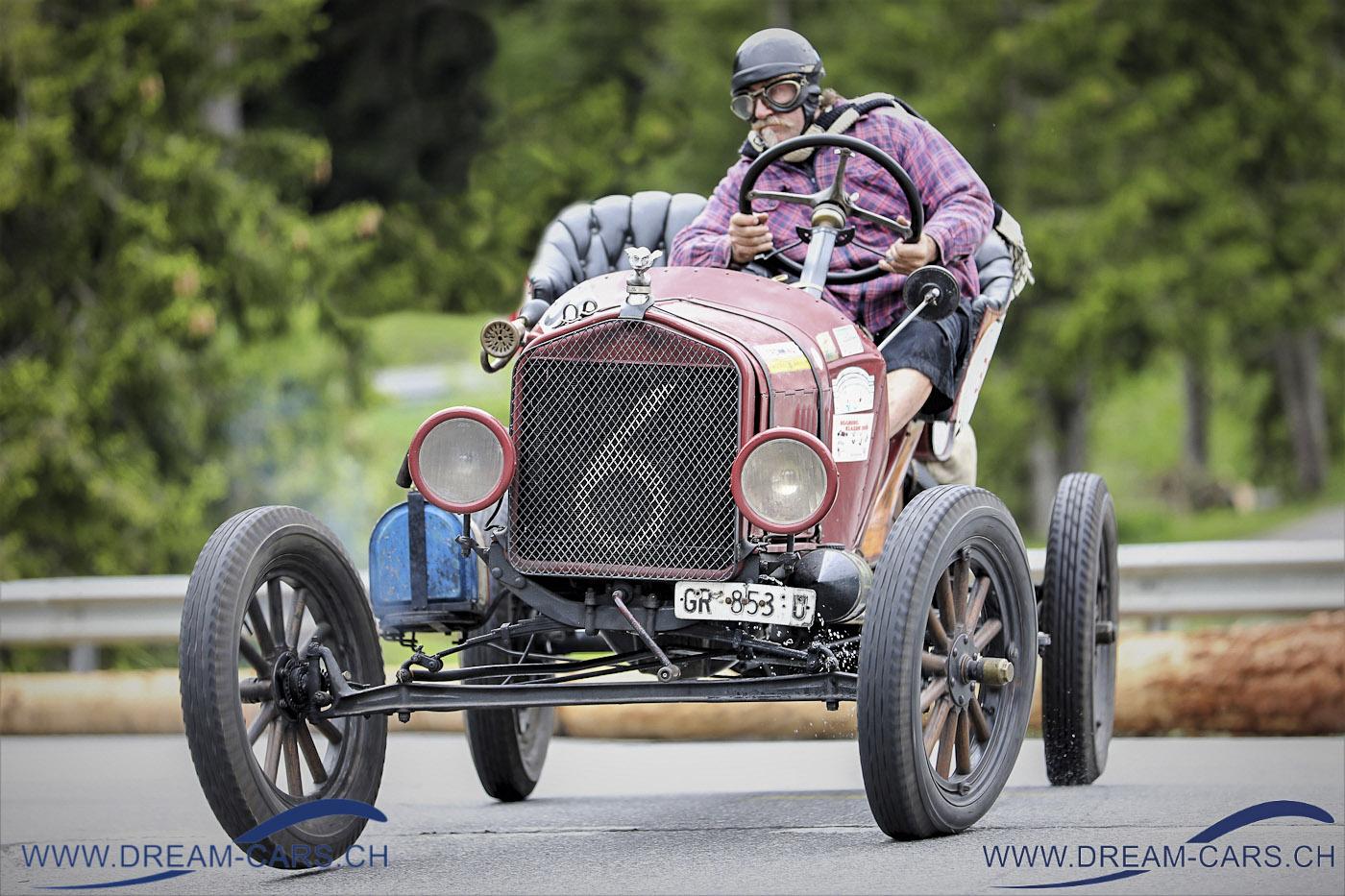 Lenzerheide Motor Classics, 14. bis 16. Juni 2019. Riccardo Beccarelli bewegte seinen 101 Jahre alten Ford T sehr engagiert um den Kurs