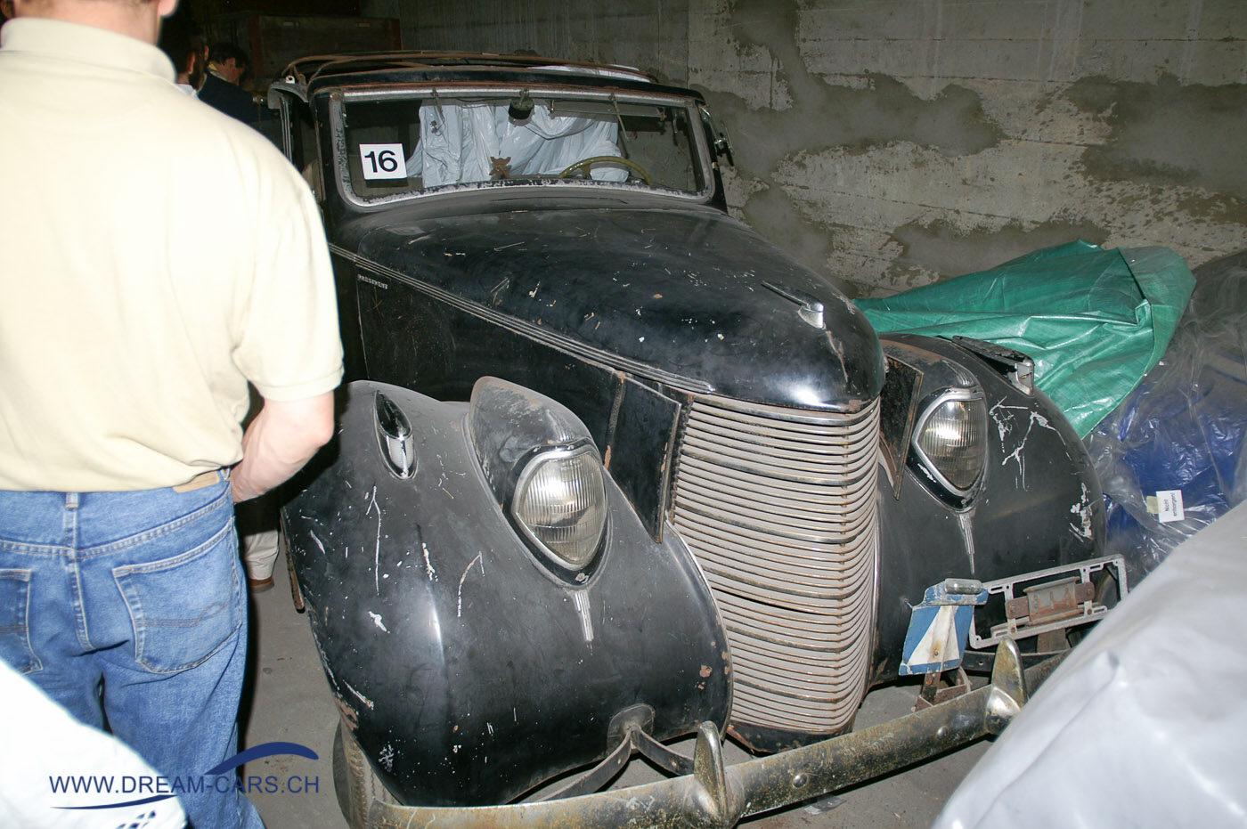 Studebaker Commander 1938 im Keller der Carrosserie Langenthal AG. Jahrestreffen Swiss Car Register Zofingen 2006
