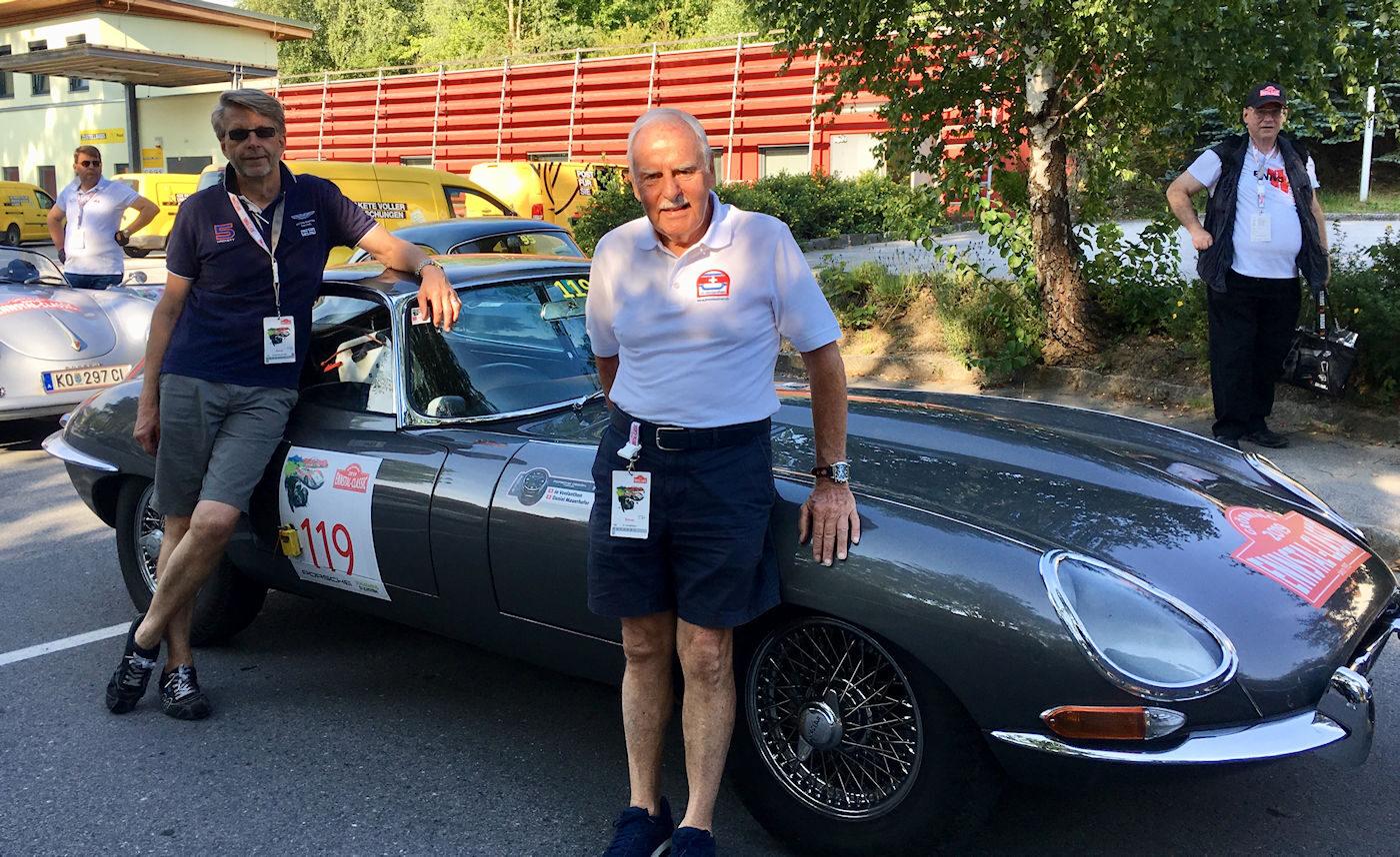 Ennstal Classic 2019. Daniel Mauerhofer (links) und Jo Vonlanthen mit dem Jaguar E
