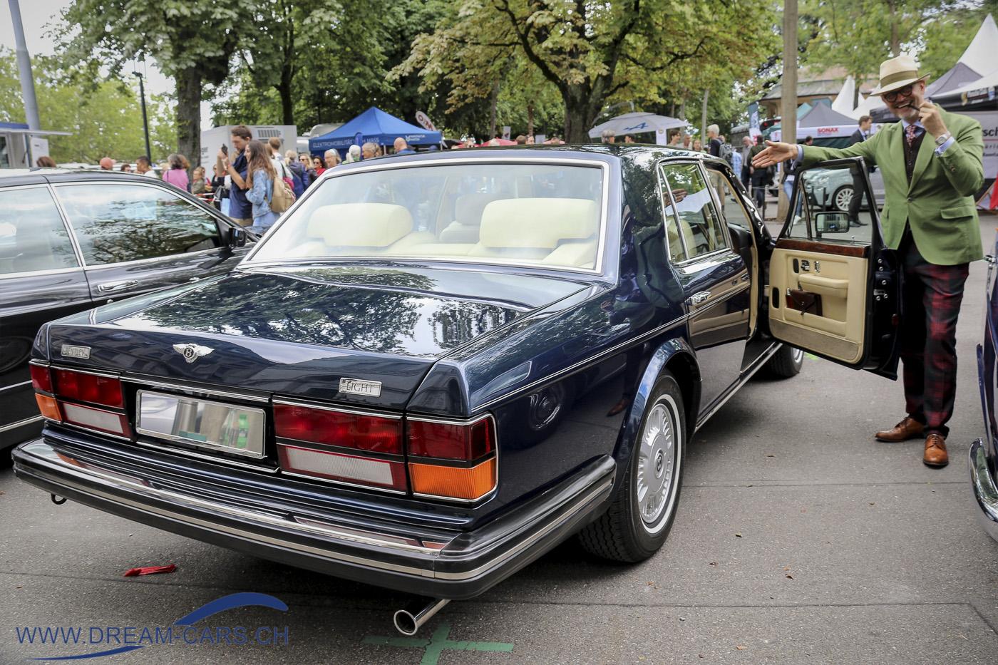 ZCCA, Zurich Classic Car Award auf dem Bürkliplatz in Zürich, 21. August 2019. Bruno von Nünlist mit seinem Bentley