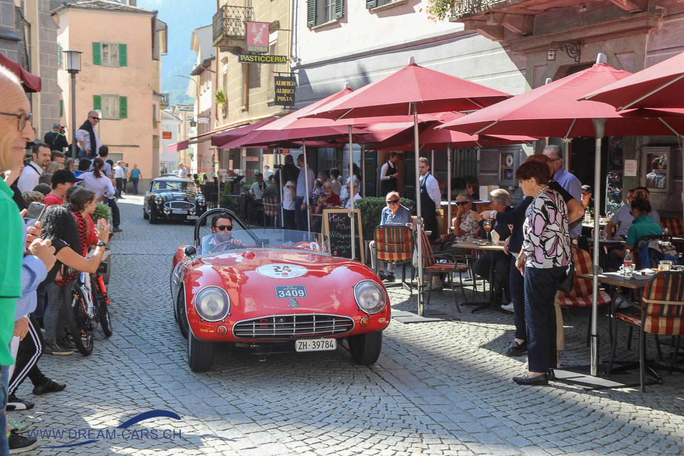 Nach dem Bernina Gran Turismo 2018 bei der Einfahrt in Poschiavo zur Sieferehrung