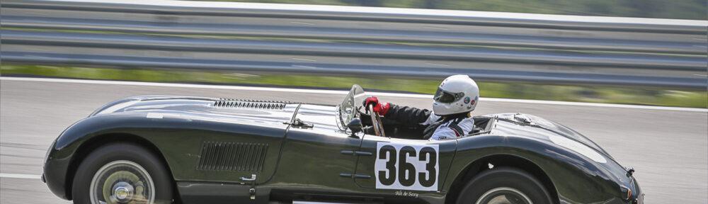5. Int. Arlberg Klein Slalom 2020, Feld C, Freitag 10.07. Bruno Hürlimann mit seinem Jaguar C-Type