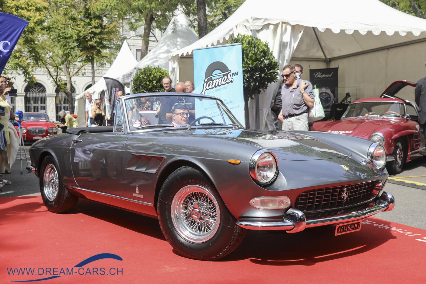 ZCCA - Zurich Classic Car Award, Bürkliplatz Zürich, 19. August 2020. Der Ferrari 275 GTS von Martin Kottmann, 1. Platz in der Kategorie 90 Jahre Pininfarina und Gewinner des Pokals 'Best of Show'