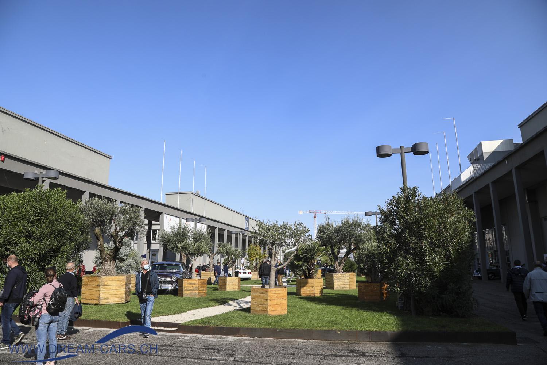Auto e Moto d'Epoca Padua, 22. bis 25. Oktober 2020. Stahlblauer Himmel, so macht die Messe spass, auch trotz Corona