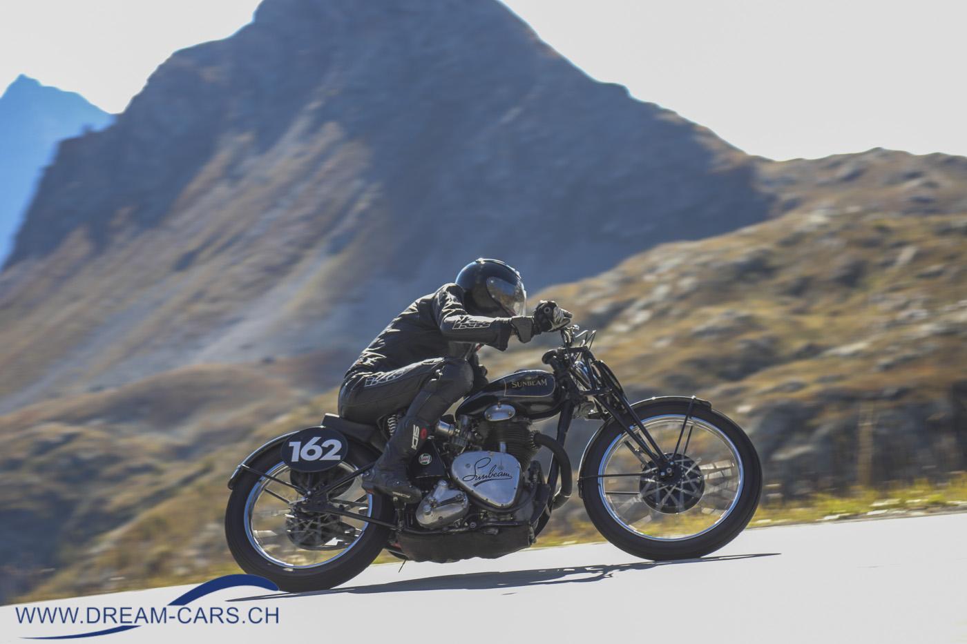Bernina Gran Turismo, 18. und 19. September 2021. Einer der rund zwei Dutzend Motorradfahrer kurz vor dem Ziel auf der Passhöhe