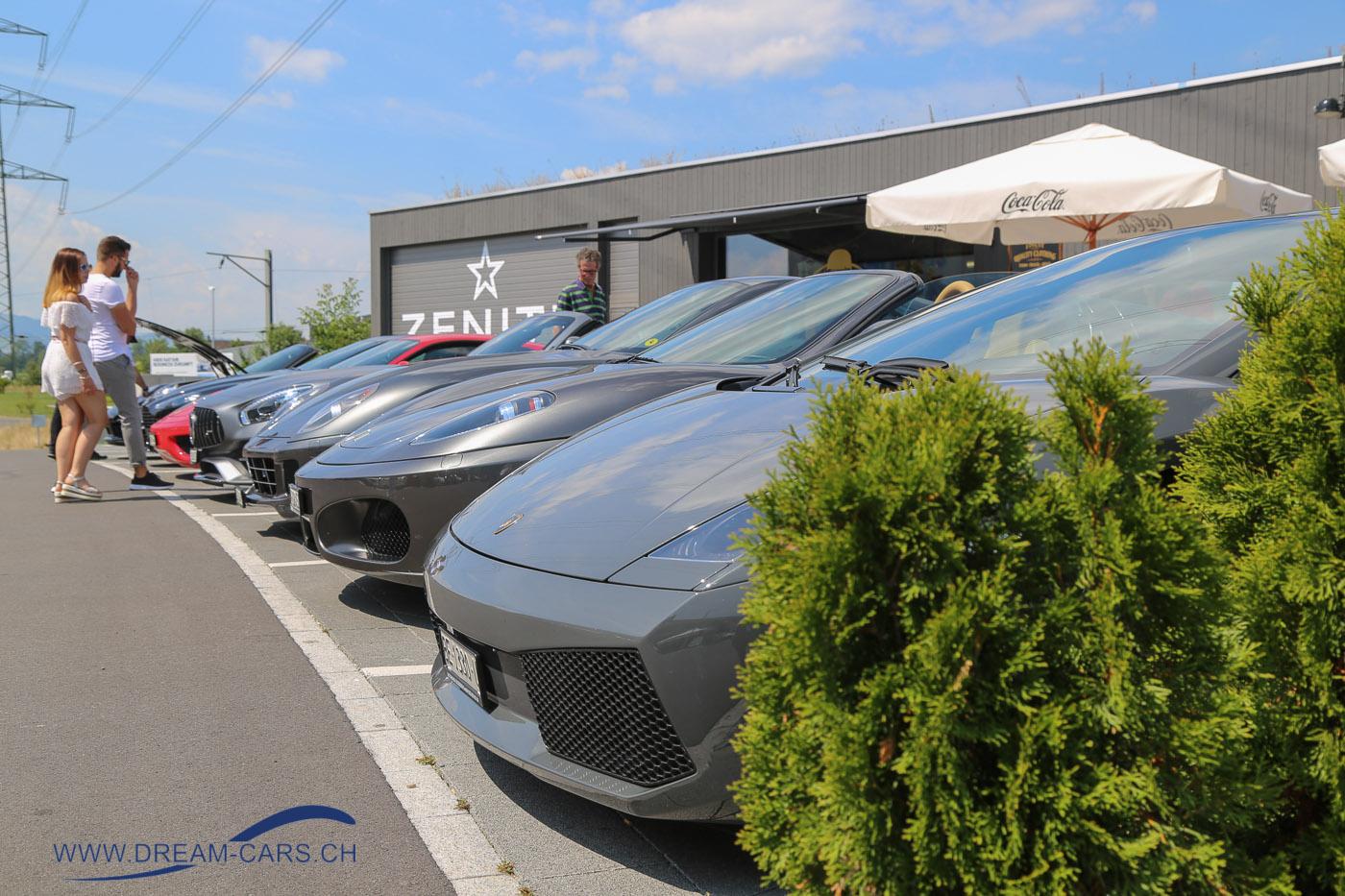 ACE CAFE Luzern, Sportwagentreffen, 14.07.2018. Spitz und aggressiv stehen Lamborghini, Ferrari & Co. vor dem ACE in Rothenburg