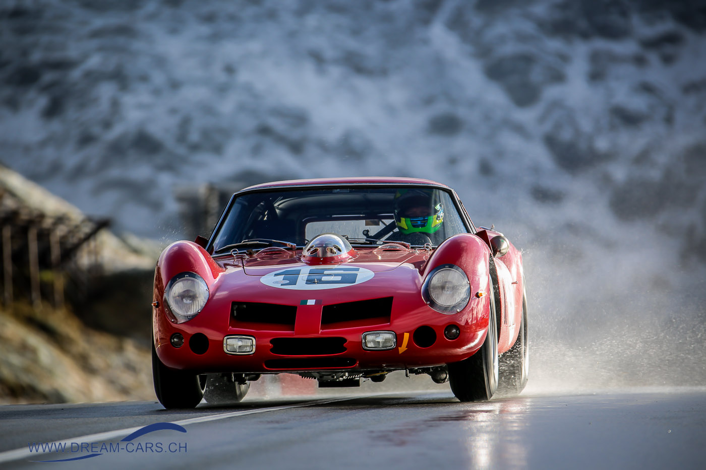 Bernina Gran Turismo 2017: Der Serenissima-Ferrari 250 GT SWB Drogo auf der Bernina-Passhöhe