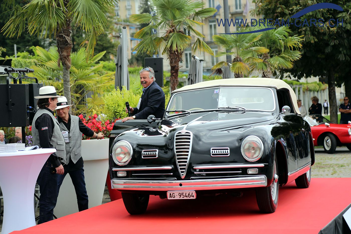 Concours d'Excellence Luzern, 17. September 2016. Peter Stettler kam mit dem wunderschönen und imposanten Alfa Romeo 6C 2500 Sport von 1949 nach Luzern