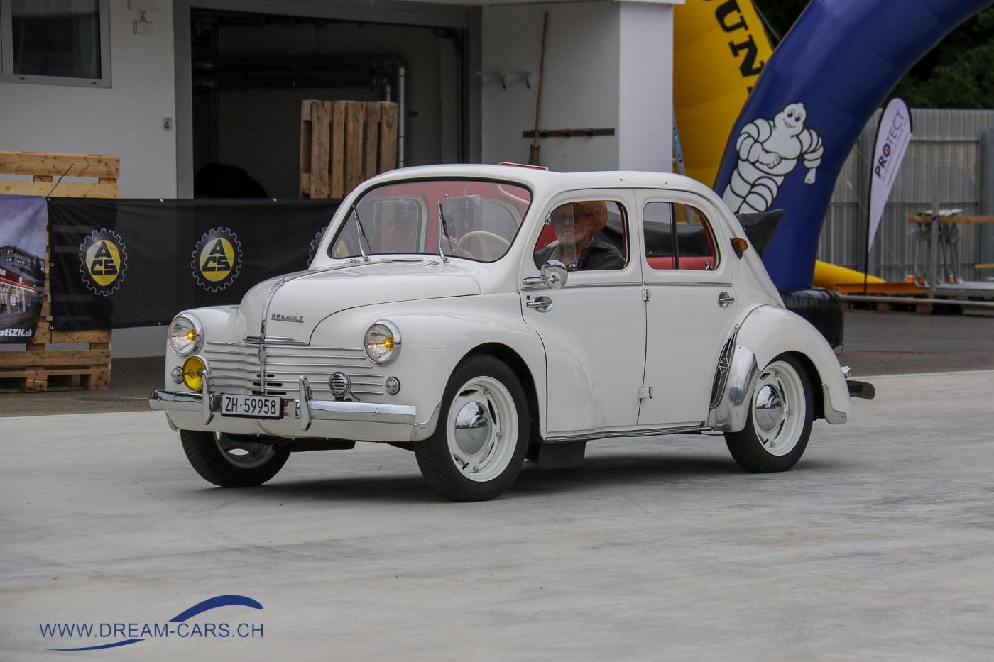 Renault 4 CV an der Dolder Classics 2013