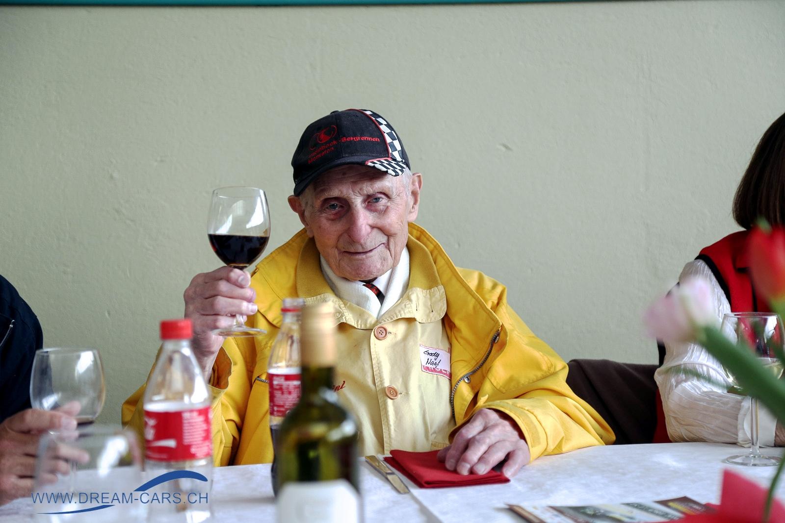 Gody Naef zum 99. Geburtstag. Alles Gute, Prost und auf weitere viele Jahre