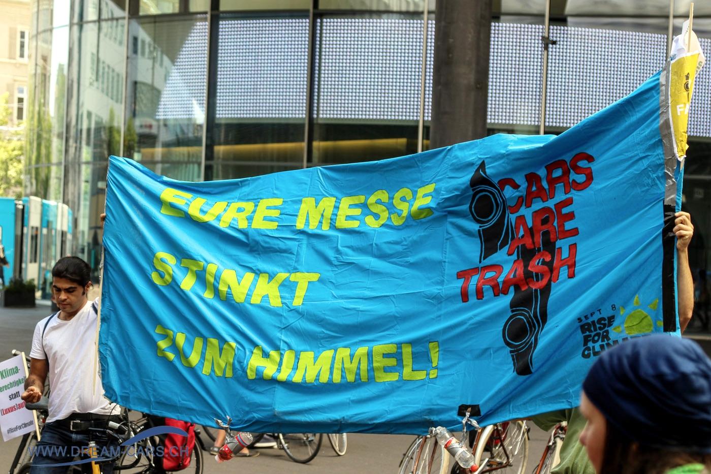 Grand Basel 2018. Demo vor dem Eingang