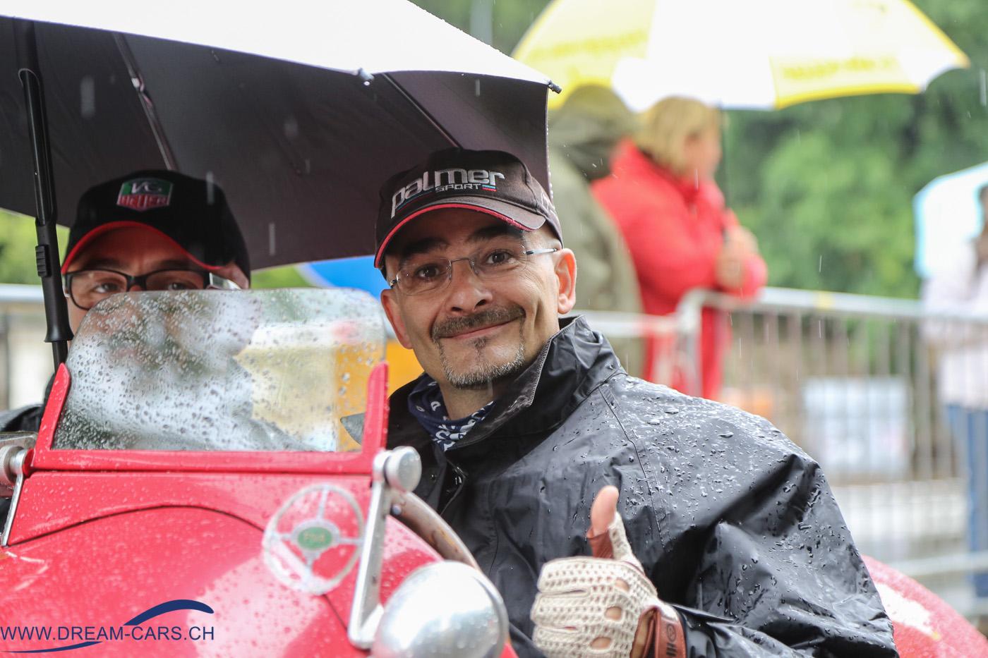Mille Miglia 2016. Trotz Regen am Start freudige Gesichter