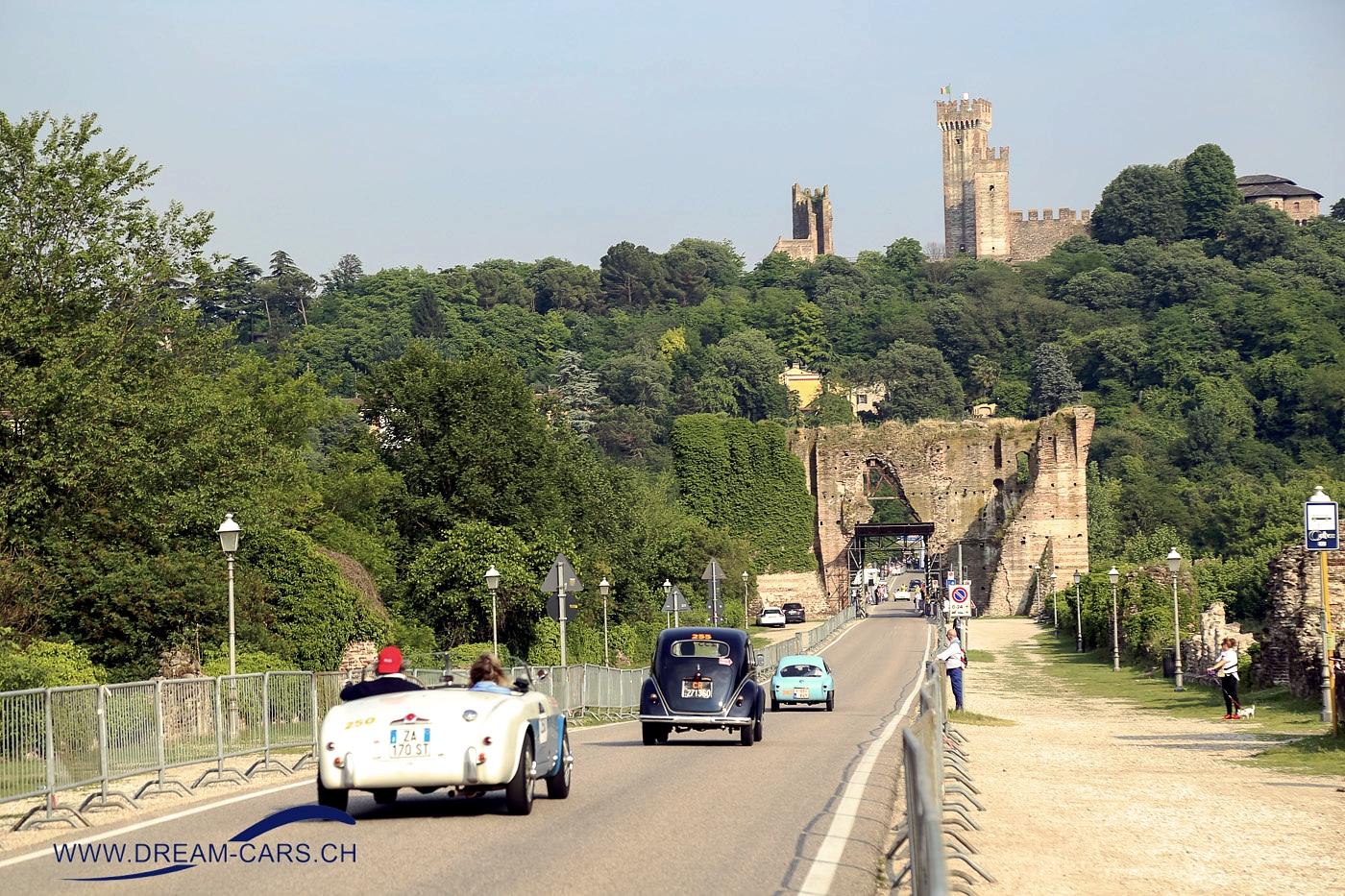 Mille Miglia 2018. Der Ponte Visconteo, der Borghetto und Valeggio verbindet