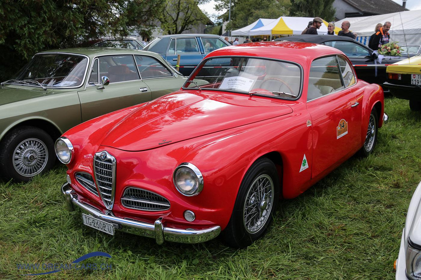 Oldtimertreffen Gündelhart 2017. Ein Alfa Romeo 1900 Sprint Touring von 1953 mit einer Karosserie von Touring, Mailand.