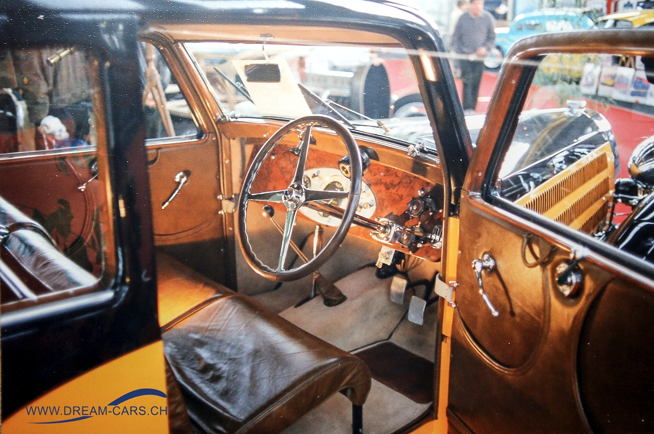 RETRO-LYON, Halle Tony Garnier, Frankreich, Dezember 1991. Ein Bugatti Typ 57 mit seinem prächtigen Intérieur