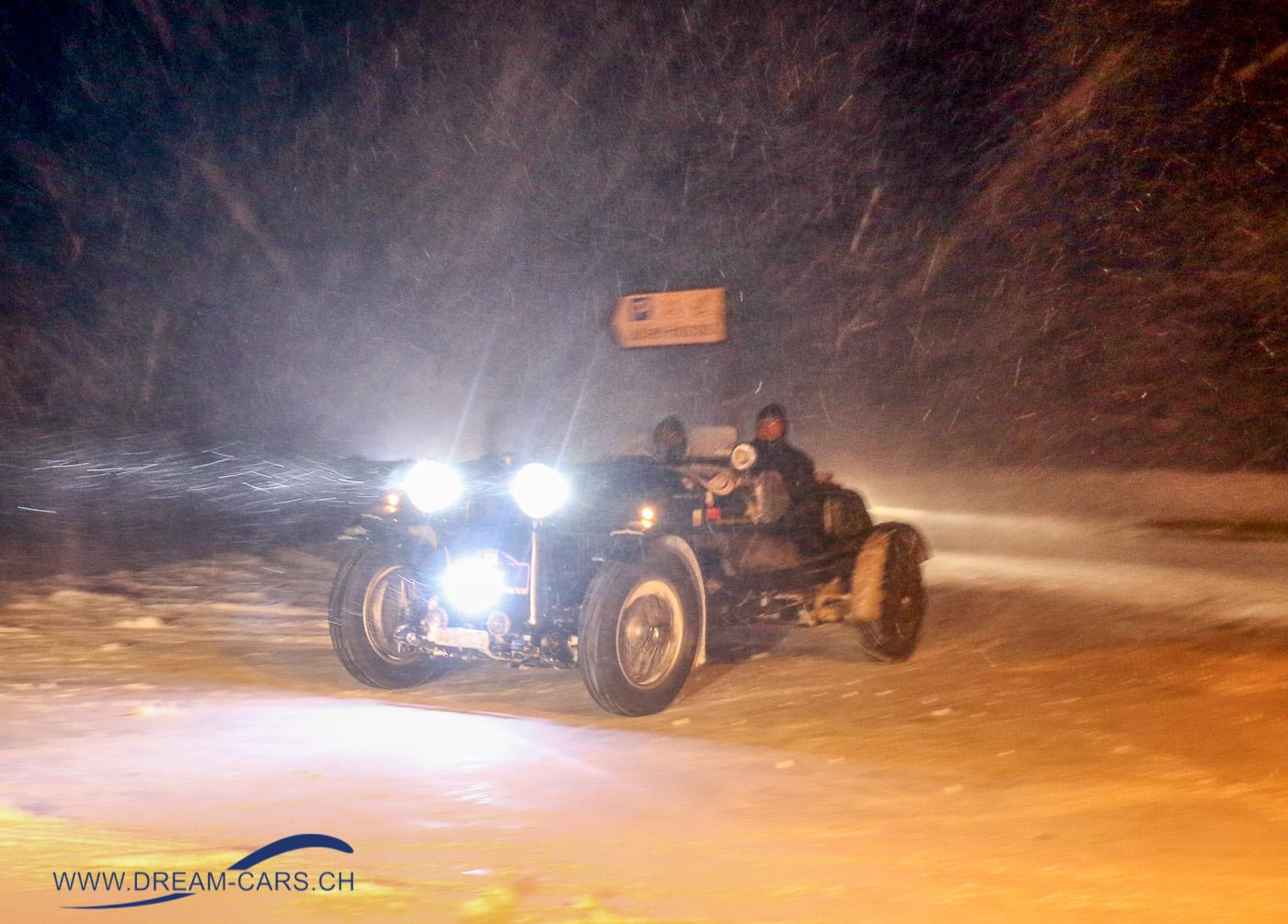WinterRAID 2018. Der Lagonda M35 Le Mans Rapide mit Louis Frey und Patrick Dätwyler beim Eintreffen auf dem Julier