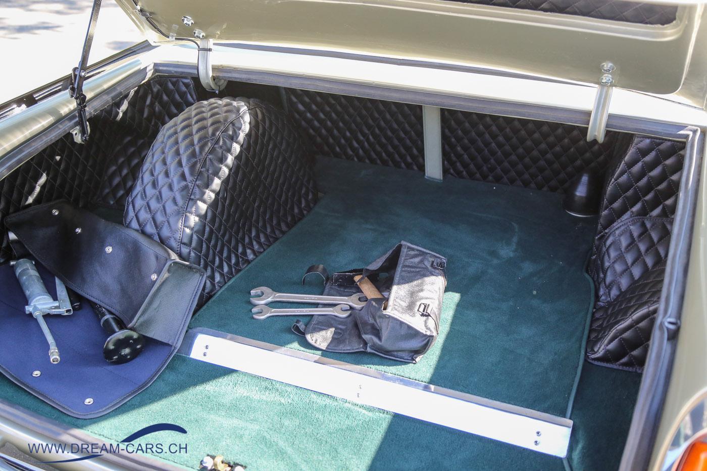 ZCCA - Zürich Classic Car Award, 22. August 2018. Der Lancia verfügt noch über das originale Bordwerkzeug